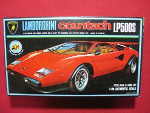 Lamborghini Countach LP500S 1/28 Blue Tank Super Car Plastic Model Kit Motorized
