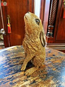 A MOON GAZING HARE FIGURE, FOR HOME & GARDEN. VIVID ARTS. LOVELY ITEM