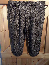 "3/4 Trousers Black & Beige Patterned By New Look Size 14 Waist 32"" - 34"" Max"