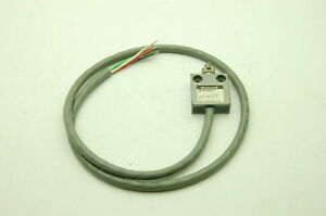 Honeywell 914CE3-3 Micro Switch Pre-wired Enclosed, Actuator-Cross Roller