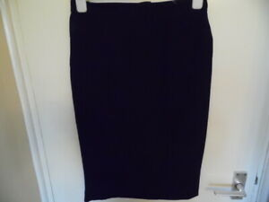 Ladies Black Short Fully Lined Skirt with Rear Split & Zip Size 12