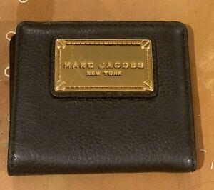 AUTH Marc Jacobs Classic black leather wallet NWOT