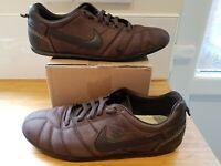 very RARE Nike Q 10 Q10 2007 Ronaldinho Street Trainer Brown Size 9 ref21P4 Shoe