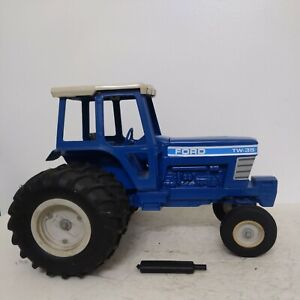 1/12 ERTL Ford Tractor TW-35 Repaint