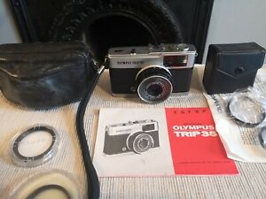 Olympus Trip 35 Compact Film Camera + Close Up Auxillary Lenses Vintage