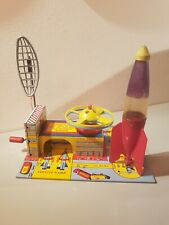 Tin Toy 1950 NO ROBOT space toy SATELLITE LAUNCHER STATION Marx USA in mint con.