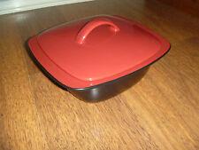CorningWare Corning ware Corelle Hearthstone red 2.85 litre casserole dish & lid