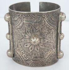 Silver Huge heavy Bracelet etched birds Fine Antique Old Egyptian Bedouin Ethnic