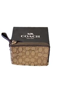 Coach Brown Classic C Design Dual Compartment Wristlet
