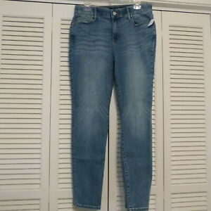 Chico's 5 Pocket Comfort Waist Slim Leg Stretch Medium Wash Jeans sz 1.5R / 10 R