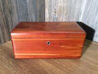 Vintage Mini Lane Cedar Chest Salesmans Sample Altavista,Va No Key G5