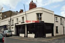 PHOTO  PUB 2010 GOOLE FORMER PUBLIC HOUSE THIS IS IN CHAPEL STREET. I DO NOT KNO