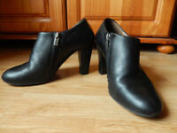 Womans Black Heeled Leather Ankle Boots - Zipped - Size UK 6 - EU - 39