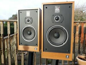 Acoustic Research AR 28S great sounding speakers full working order
