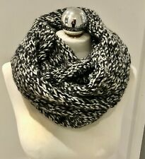 HOLLISTER BLACK/WHITE SOFT CHUNKY KNITTED SNOOD/INFINITY SCARF - VGC!