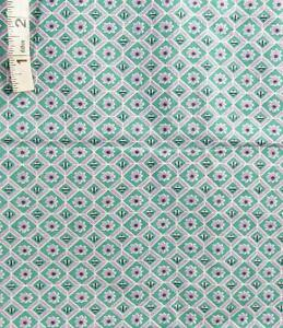 Vintage Lavender Floral in Green Squares Print Cotton Quilt Fabric,Crafts,Masks