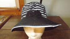 Ladies Woven Black & White Bucket Hat