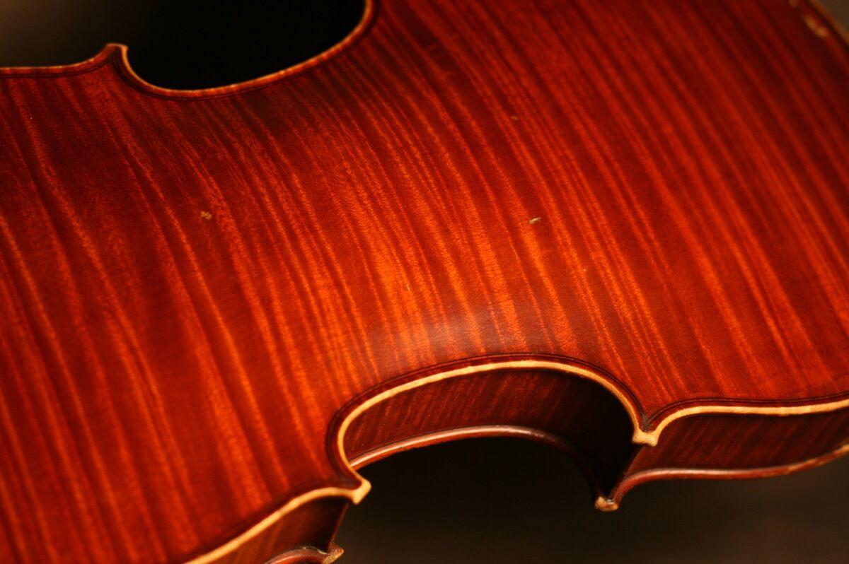 Ames Anciennes Fine Violins