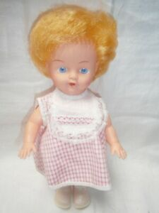 """VINTAGE 1950's  10"""" (26CM)  RUBBER PEDIGREE DOLL IN MINT CONDITION"""
