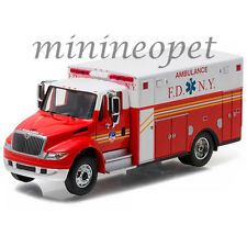 GREENLIGHT 33070 C 2013 INTERNATIONAL DURASTAR AMBULANCE FDNY 1/64 DIECAST RED