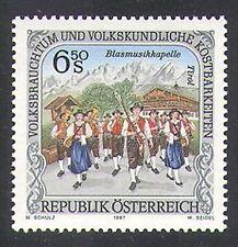 Austria 1997 Music/Costumi/Persone/Banda Musicale/montagne/edifici 1 V (n38053)