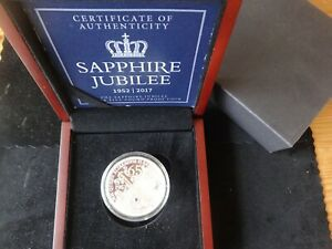 2017 SILVER PROOF GUERNSEY £5 COIN SET WITH A SAPPHIRE BOX COA SAPPHIRE JUBILEE