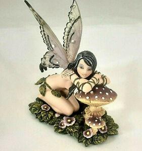 süße kl. Elfe auf Pilz Fantasy Figur 14 cm hoch  Fee