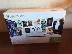 Microsoft Xbox One S 500 GB White Starter Bundle With 4K Ultra Blu-Ray