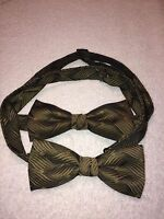 PAIR OF MENS ADJUSTABLE BOW TIES MATCHING GREENISH GOLD WITH BLACK 4.5 X 2