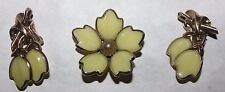 TRIFARI signed RARE YELLOW MOLDED GLASS SET-EXCELLENT PIN UNSIGNED!!!!