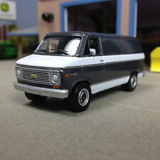 1/64 GREENLIGHT 1977 CHEVY G-20 VAN