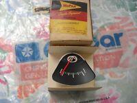 NOS MOPAR 1960 VALIANT CUSTOM DELUXE FUEL GAUGE 2076317