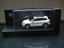 Herpa Modell in 1:43    VW Touareg 2015 in Pure White   (1)