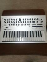 Korg Minilogue - Polyphonic Analog Synthesizer Excellent-