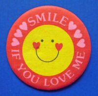 Hallmark BUTTON PIN Valentines Vintage Smiley Face SMILE If Love Hoilday FABRIC