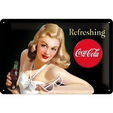 Targa in Latta Vintage Coca-Cola - Refreshing Lady 20 x 30 in metallo stampato