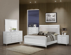 Modern Queen Size 4 Pc Bedroom Set Metallic White Bed Mirror Dresser Nightstand