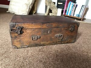 Box Old Wooden Toolbox  Battered and no handle but lovely!