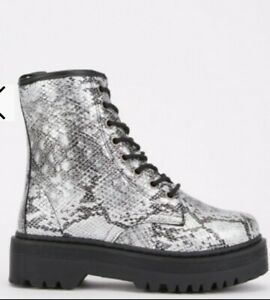 Ladies Biker Boots Silvery Grey Snakeprint. Size 6. New & boxed