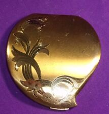VINTAGE ELGIN AMERICAN POWDER COMPACT HEART SHAPED FLORAL ENGRAVED W/PUFF