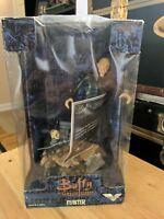 Buffy the Vampire Slayer 9in. vinyle Master figure