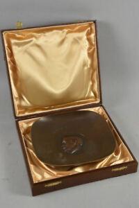 h01a10- Bronze Reliefteller mit Etui