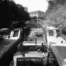 PARIS c. 1947 - Péniche Écluse Canal Saint-Martin - Négatif 6 x 6 - N6 P152