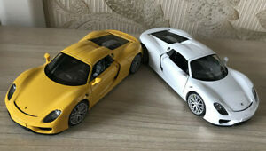 WELLY 1:24 Diecast Alloy Static Car Model For Porsche 918 Spyder Men Collection