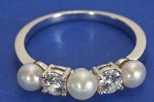 A CREATED DIAMOND & CULTURED PEARL BAND RING SET IN STERLING SILVER SIZE Q (8.25