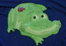 Frog with Ladybug Concrete Plaster Cement Stepping Stone Mold 1006 Moldcreations