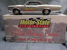 1966 SILVER PONTIAC GTO 1:18 CAR LANE EXACT DETAIL 2011 HOLIDAY EDITION DIECAST