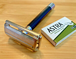 Vintage SCHICK pre KRONA twist to open TTO double edge DE safety razor metal tip