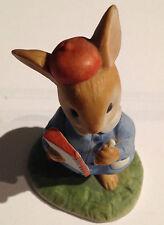Vestito Bunny Rabbit con nota LIBRO e MATITA Pottery Figura Figurina 8 cm ad alta