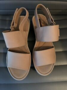 Clarks Collection Two Strap Wedge-Lt Beige-sz 7.5 W-New
